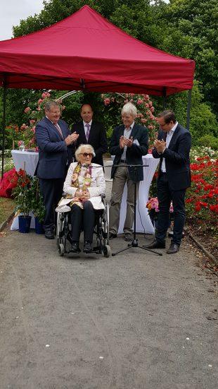 Applaus für Frau Libeth Werhahn-Adenauer nach ihrer bewegenden Taufrede